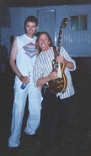 Webmaster poses with Jeff backstage. Chicago Ridge, 2000!